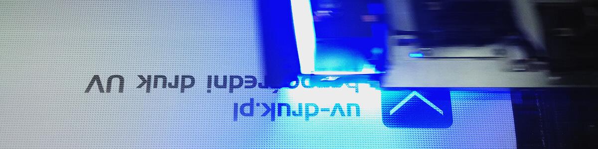 Druk UV na banerze, siatka mesh